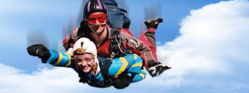 Pali Grimsby's Tony Bravely Takes on St Andrew's Hospice Skydive