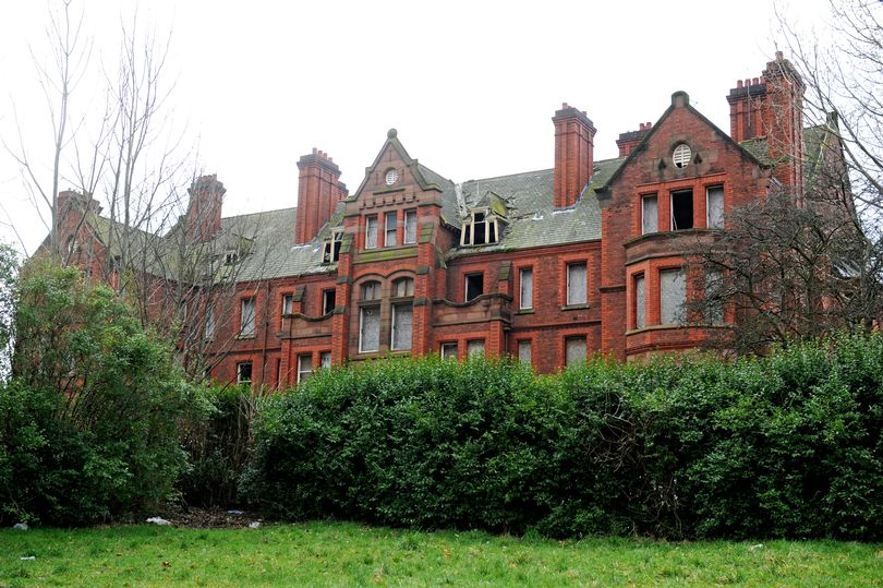 Spooky 'Haunted' Wallasey Mansion Stands Derelict as Locals Fight to Keep A Piece of Wirral History